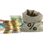 Sack und Geldchscheine und Münzen